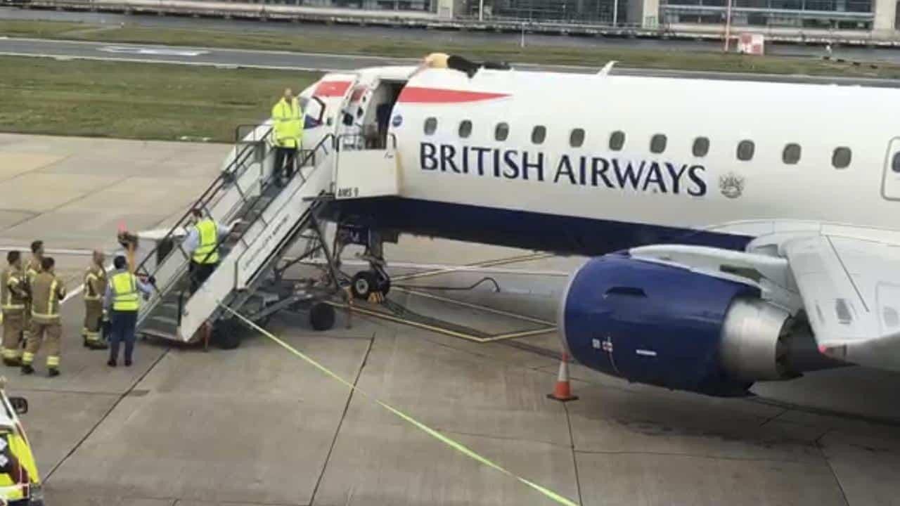 Man Who Glued Himself To A British Airways Embraer Jet Has Been Sentenced To Prison
